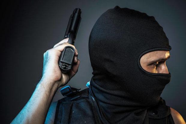 На Херсонщине люди в масках напали на пассажирский автобус