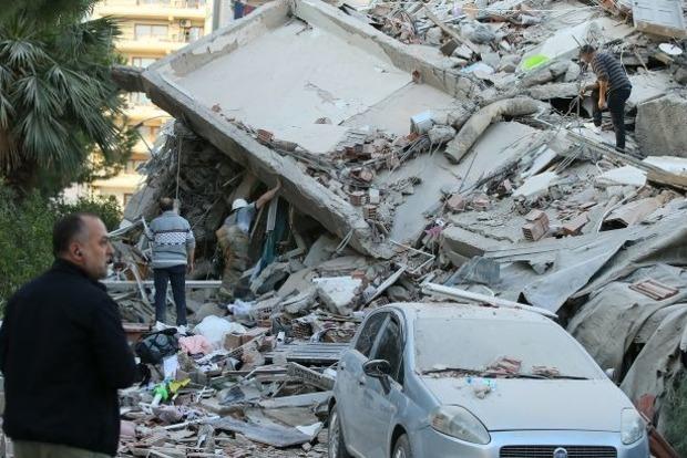 Штормовой ветер и обвал скал: Грецию накрыло наводнение