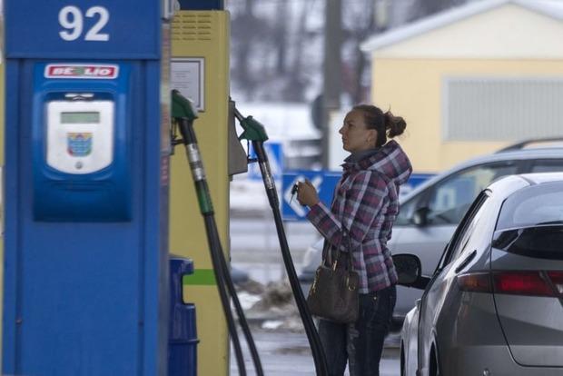 Кончился коммунизм: в Беларуси топливо подорожает на 37%