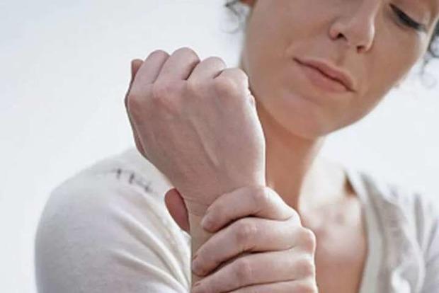 Медики перечислили признаки инсульта, проявляющиеся за месяц до приступа