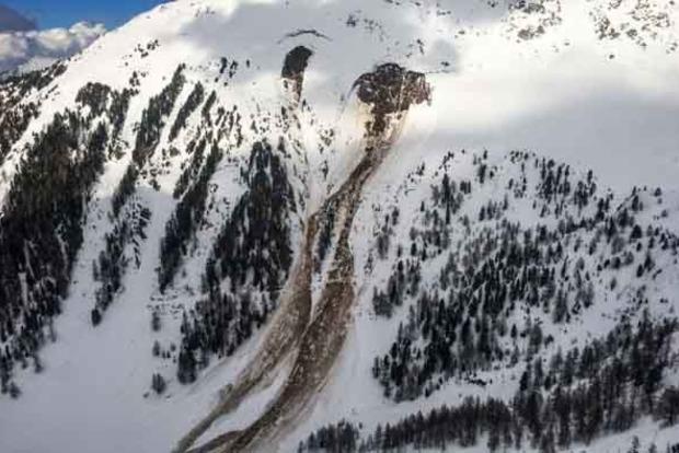 На горнолыжном курорте в Швейцарии сошла лавина, есть жертвы