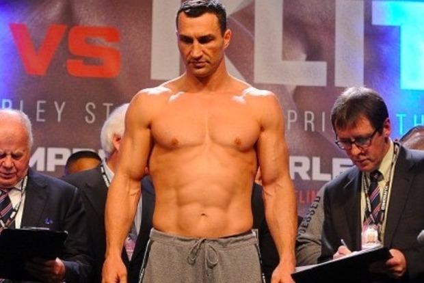 Боксер Джошуа оказался на 4,5 кг тяжелее Кличко