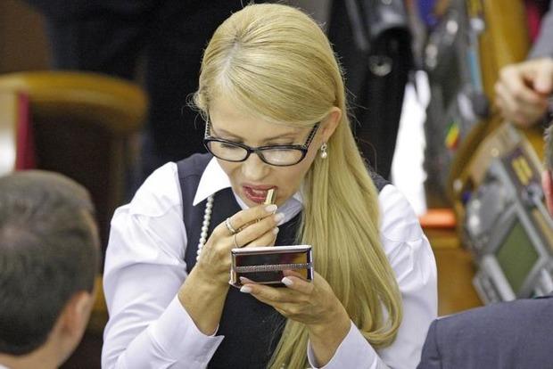 Тимошенко не собирается ни с кем объединяться на выборах