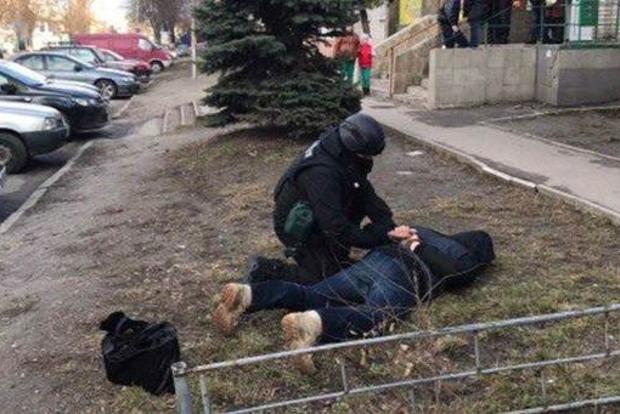 В Киевской области задержали полицейских, торговавших оружием