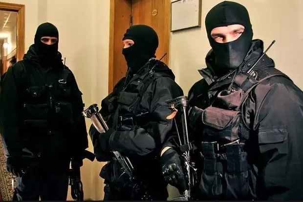 В Днепропетровске проходят обыски у правоохранителей