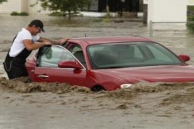 Київ затопило після сильної зливи. Відео