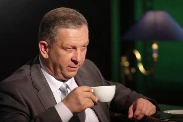 Соцмережі про те, чи багато їдять українці: Ріжу сало, а сам думаю - вибач, Рева!