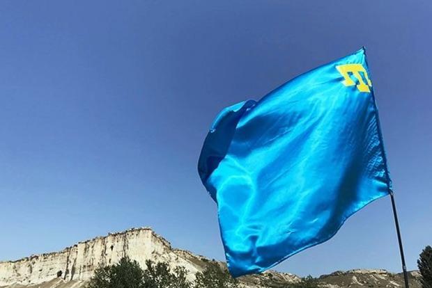 В оккупированном Крыму силовики РФ проводят обыск в доме крымского татарина