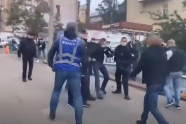 Нацполиция опровергла информацию о взрыве возле офиса Виктора Медведчука