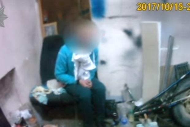 В Одессе неизвестные выкрали и посадили на цепь мужчину