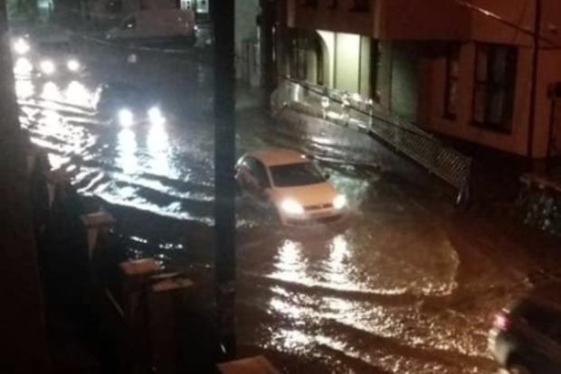 Сильный ливень превратил карпатский город в реку