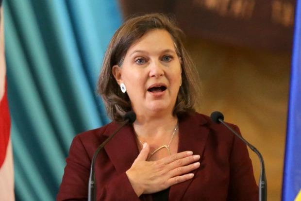 Помощник госсекретаря США Нуланд сегодня посетит Украину