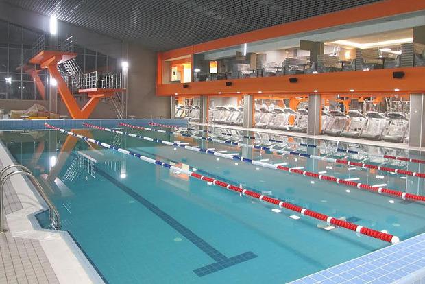В Киеве молодой мужчина утонул в бассейне спортклуба