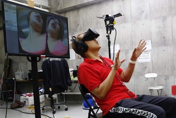 Виртуальная реальность будет дополнять японские фильмы для взрослых
