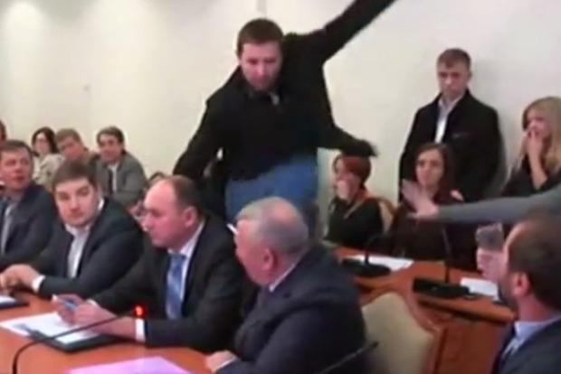 ГПУ расследует избиение Парасюком Писного