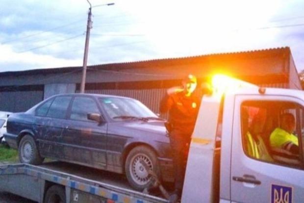 В Черновцах задержан патрульный, который ездил в пьяном виде