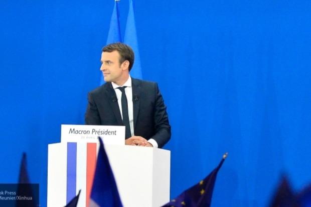 Власти Франции призвали СМИ не публиковать письма Макрона