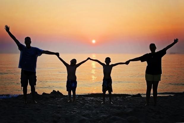 Как знаки Зодиака относятся к семье и родственникам?