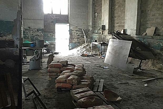 В Днепропетровске обнаружили подпольный цех по производсту стройматериалов