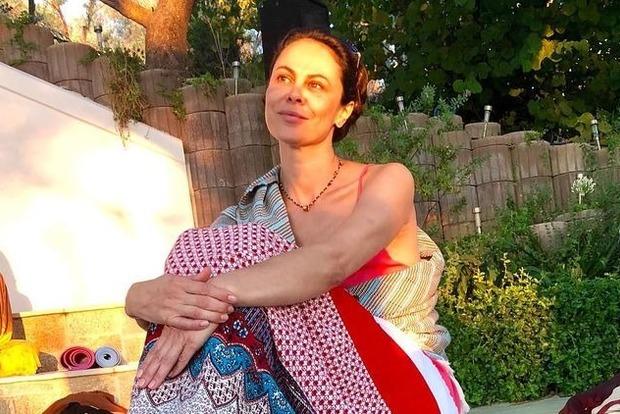 Пока киевляне психуют из-за подорожания проезда, супруга Кличко медитирует в Греции