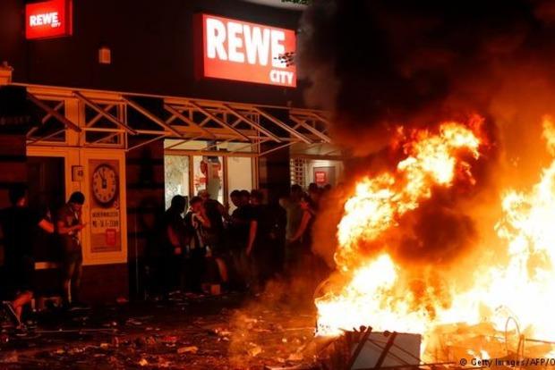 ВГамбурге арестовали 2-х граждан России из-за беспорядков вовремя саммита G20