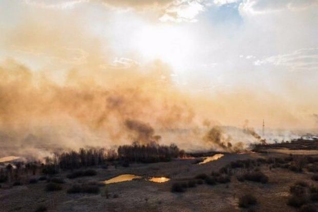 Зам Авакова успокоил общество насчет пожара в Чернобыльской зоне