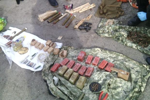 В Херсонской области в машине нашли арсенал оружия