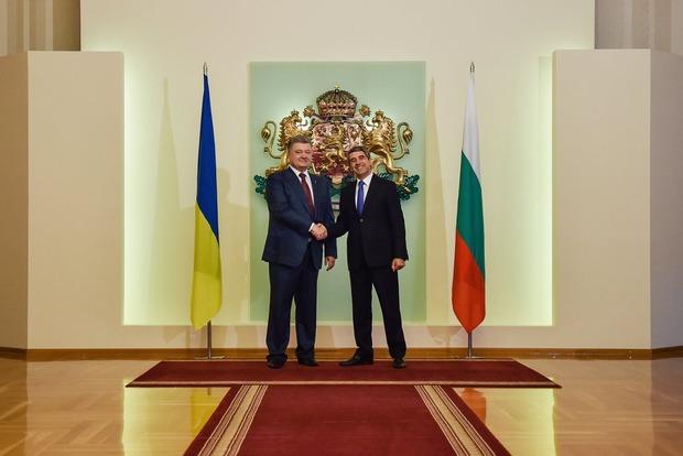 Между Украиной и Болгарией будут действовать многократные бесплатные визы