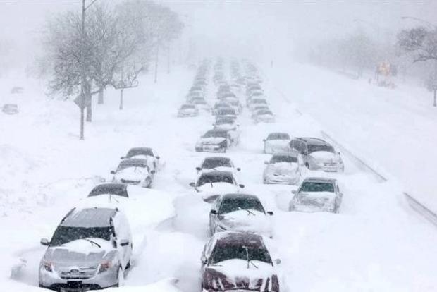 В Днипре бюджетников и школьников из-за снегопада отправили по домам