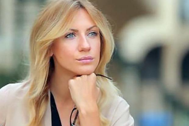 Леся Никитюк показала себя идеальную и заговорила о пластике