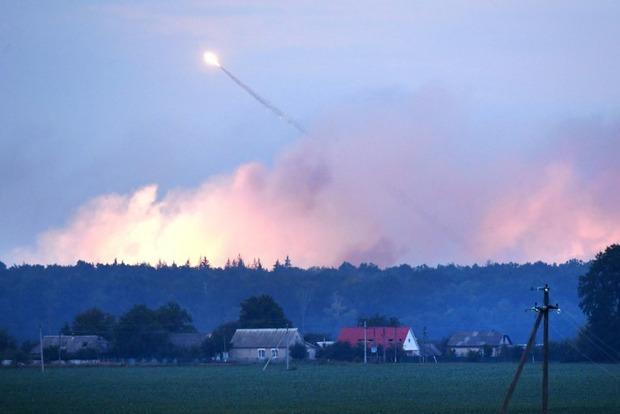 В Минобороны сообщили, что в Калиновке продолжаются взрывы