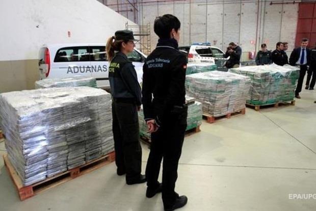 Поліція Іспанії вилучила 6 тонн наркотиків [ Редактировать ]