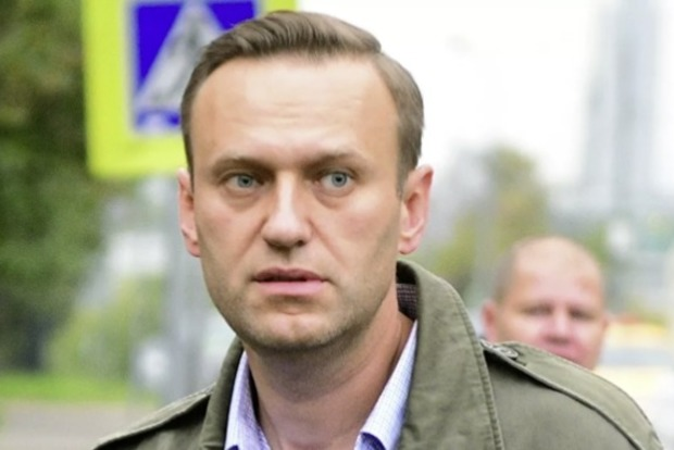 Российский врач назвал возможные причины впадения Навального в кому