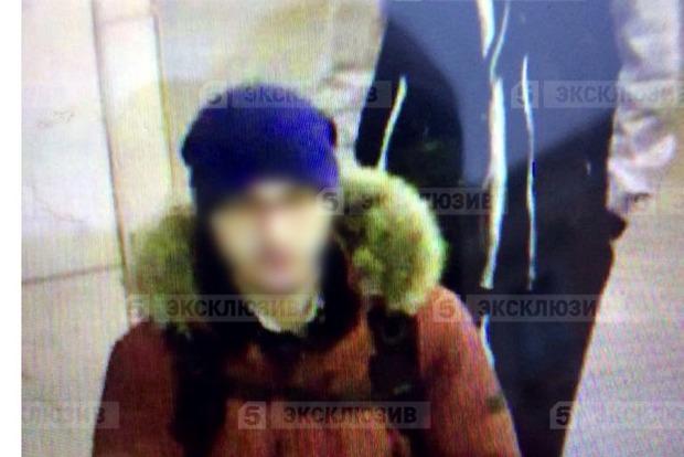 Опубликовано фото второго подозреваемого, который заложил бомбу на другой станции метро