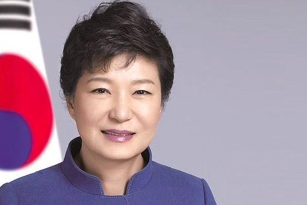 Экс-президент Южной Кореи попросила прощения у сограждан перед первым допросом