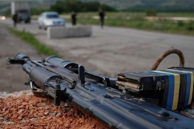 В зоне АТО боевики обстреляли позиции ВСУ в районе Мариуполя и Донецка