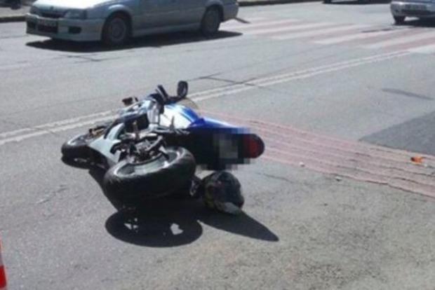 В Хмельницкой области мотоцикл врезался в иномарку, погибли два человека