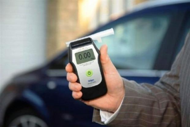 В Украине могут повысить допустимую норму алкоголя в крови и начать тотальные проверки водителей на трезвость