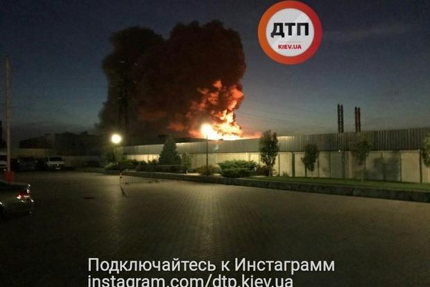 Спасатели локализовали пожар на заводе в Белой Церкви