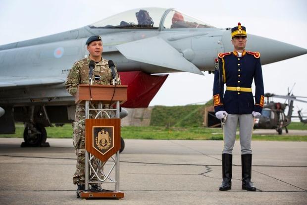 Британские истребители Тайфун начали патрулировать Черное море