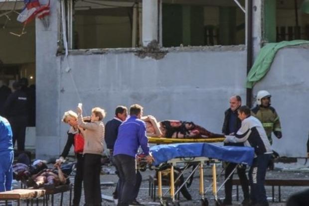 Четверо 15-летних учеников пожертвовали собой при бойне в Керчи