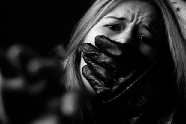 В Киеве задержаны пьяные насильники 21-летней девушки
