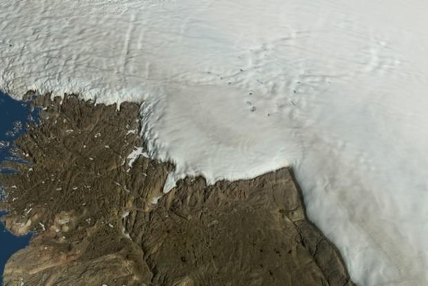 На глубине 1 км во льдах Гренландии нашли огромный кратер от удара метеорита