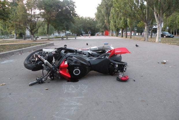 В Одессе мотоциклист протаранил группу школьников. Четверо пострадавших