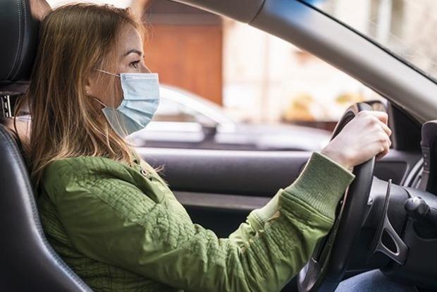 Коронавирус можно подхватить при передвижении по городу на личном автомобиле