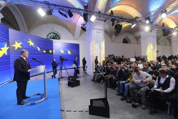 Порошенко рассказал, как обобрал олигархов и отрицает договоренности с Фирташем