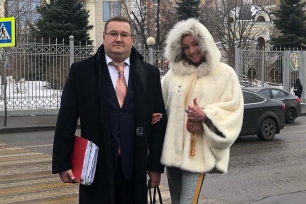Волочкова засудила своего водителя-вора