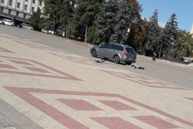 Трагедия в центре Белгорода: мужчина выбросил труп и пытался совершить суицид