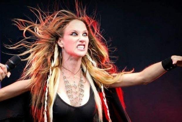 Huntress— Джилл Джанус покончила ссобой