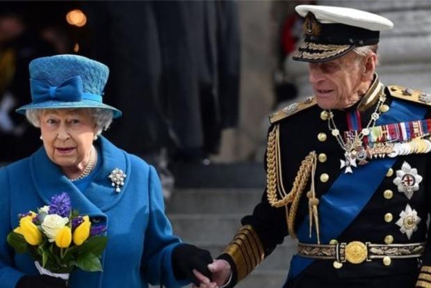 Муж королевы Великобритании с осени прекратит выполнять государственные обязанности